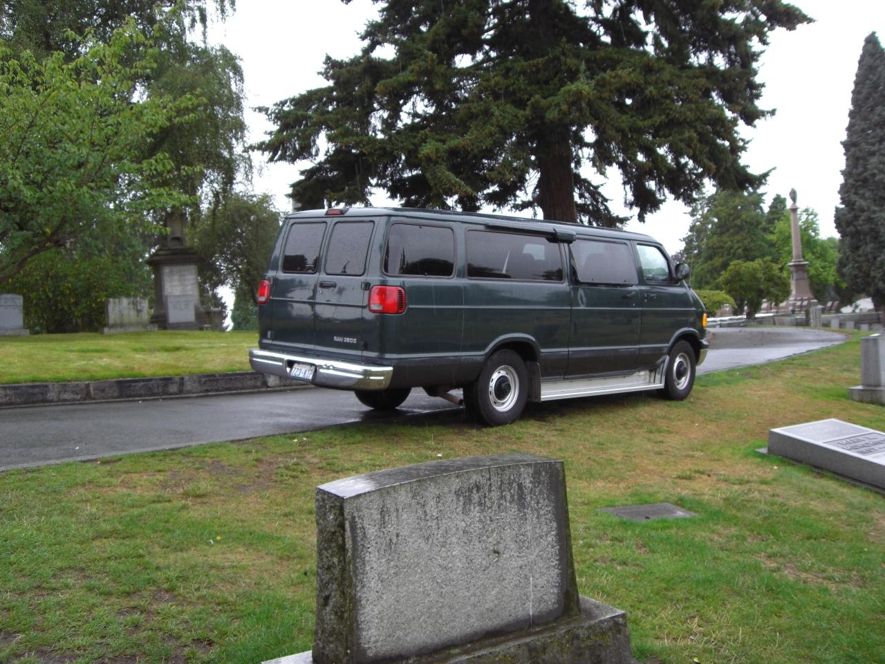 Drive in Friedhof