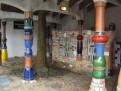 Hundertwasser-Klo 1
