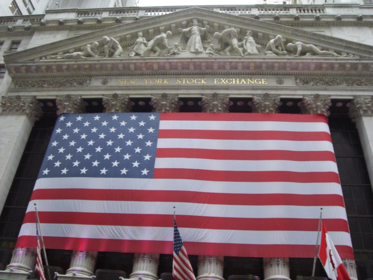 New York Stock Exchange oder - Who has got the biggest... flag