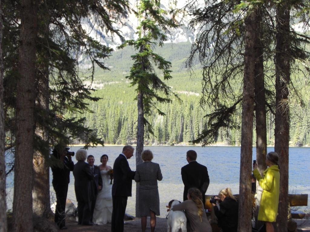 Seltsamer Ort für eine Eheschließung
