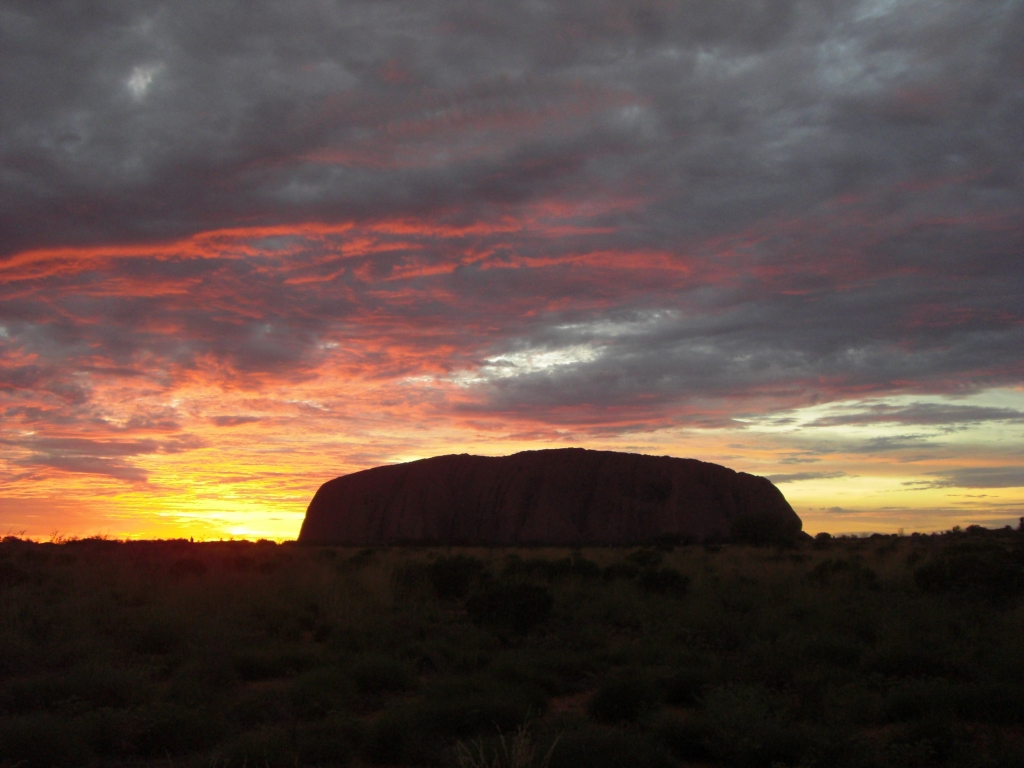 Uluru at sunrise 2