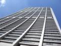 Was macht ein Wolkenkratzer an einem Sonnentag